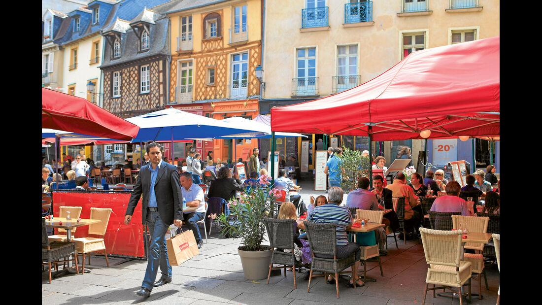 "Mobil-Tour: Bretagne, ""Place Sainte-Anne"""