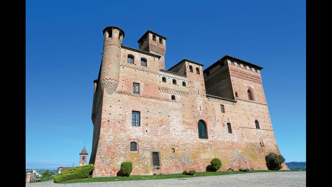 Mobil-Tour: Piemont, Castello di Grinzane Cavour