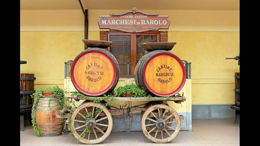Mobil-Tour: Piemont, Weinfaesser