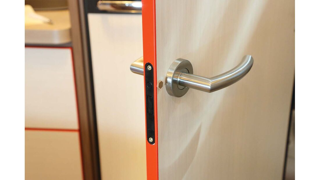 Modernes Türschlosskonzept mit Kunststoffmagnetfalle,