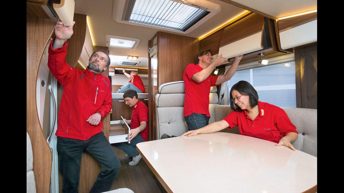 Möbel einrichten im Reisemobil