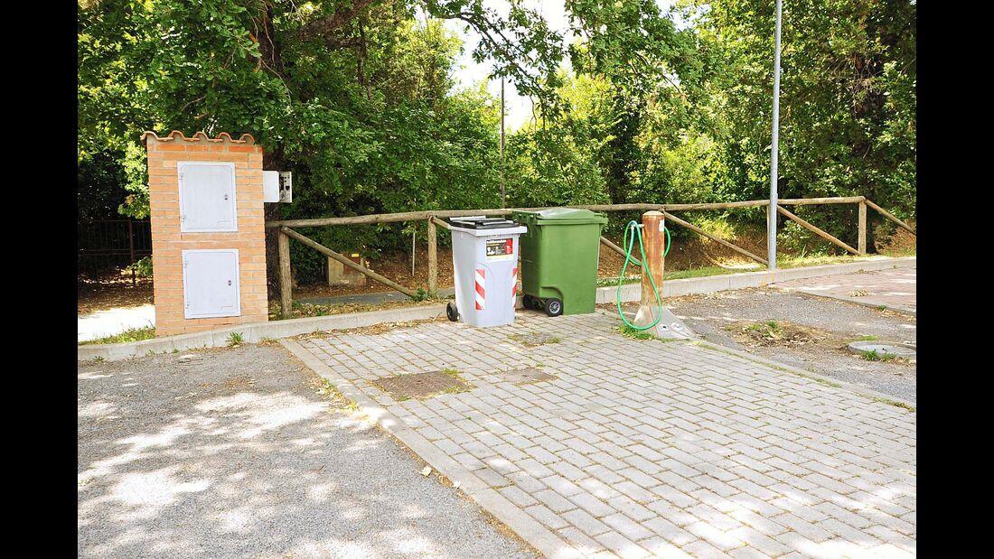 Müllentsorgung des Stellplatzes Area Sosta Camper