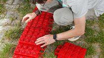Multifunktionsplatten müssen vor der Verwendung aufgebaut werden