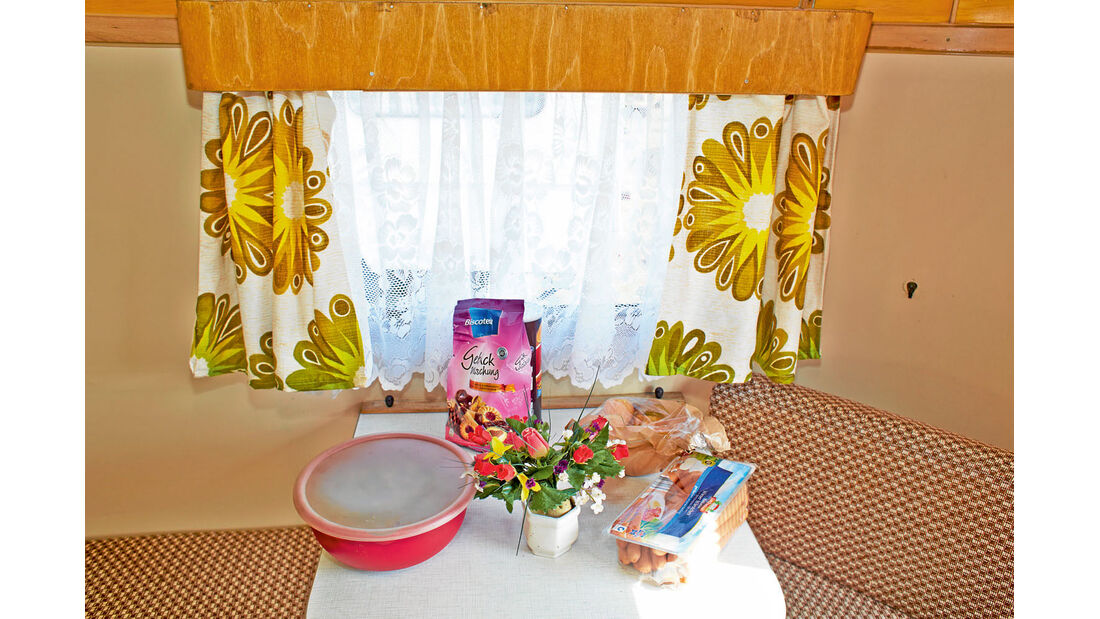 Nagetusch Tisch