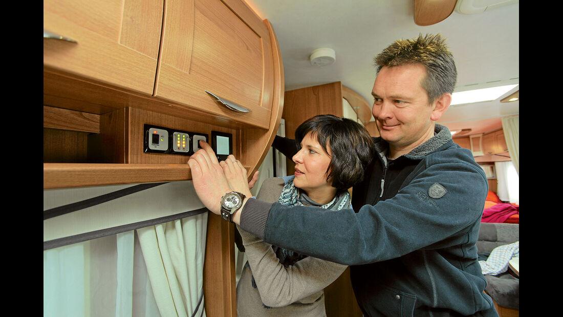 Neulinge machen sich schon vor Reiseantritt mit allen Funktionen der Heizung und der Warmwasserbereitung vertraut.