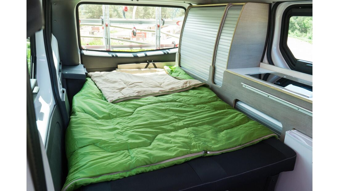 Nissan Camper Van (2019)