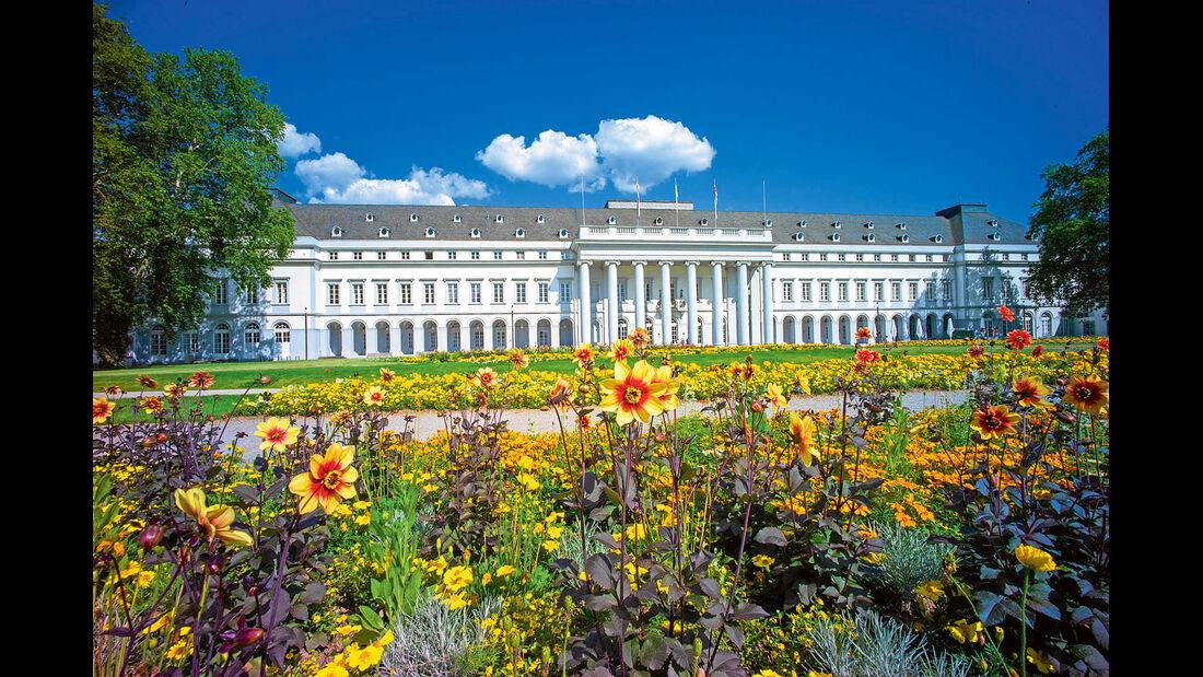 Noerdlich von Mainz ist dies die erste groessere Stadt am Rhein.