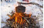 Norwegen grillen im Lagerfeuer