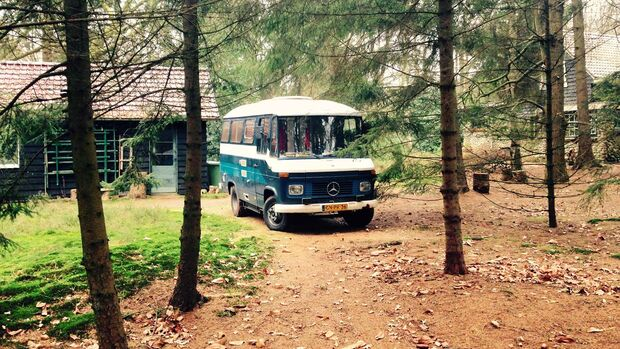 Oldtimer wie diesen Mercedes-Campingbus kann man bei Goboony mieten.