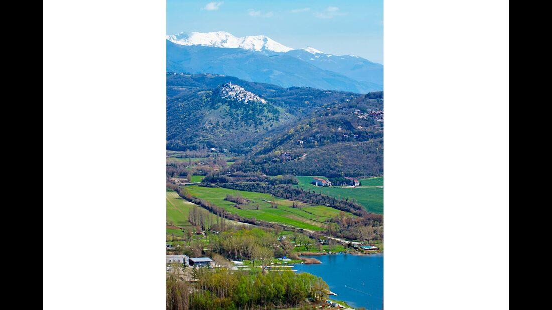 Paradies für Paddler: der Lago di Piediluco.