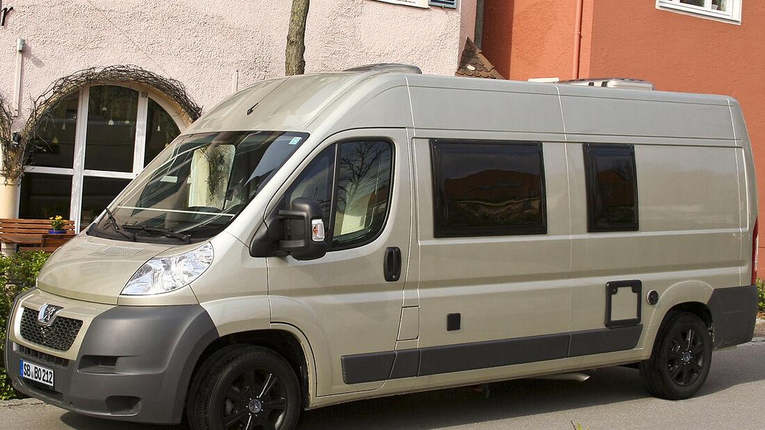 Peugeot zeigt auf dem Caravan Salon in Düsseldorf seine Neuheit rund um das Thema mobiler Urlaub: den Peugeot Boxer Liberté VAN 600.
