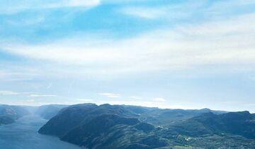 Preikestolen über Lysefjord Norwegen
