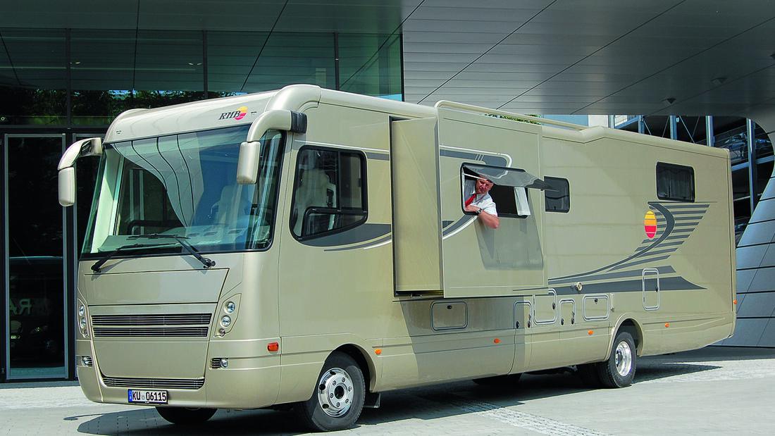 Premiere: Caravan-Salon, RMB Liner
