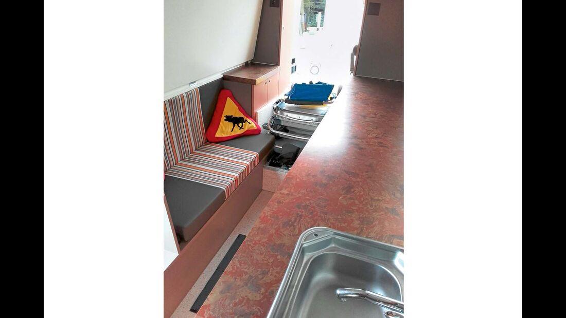 Professioneller Möbelbau im ausgebauten Campingbus