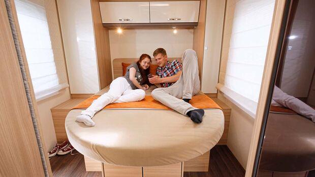 Queensbett mit leichtem Einstieg und gutem Liegekomfort.