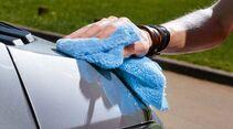 Reinigung der Fahrzeugoberfläche