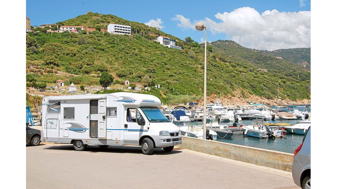 Reisemobil Adria Teilintegrierter