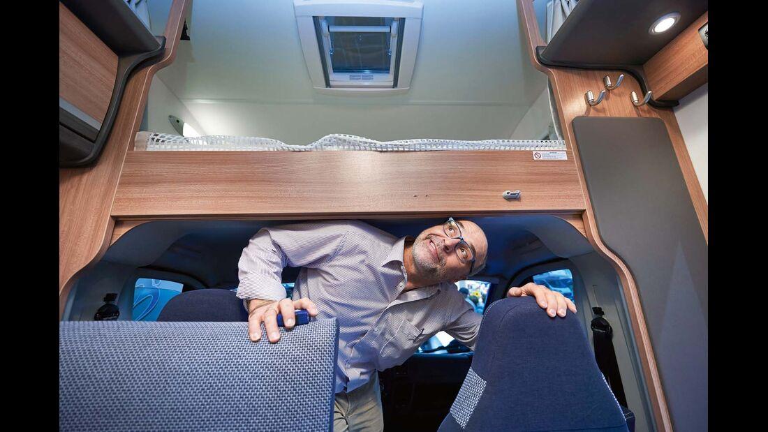 Reisemobil Knaus Sky Traveller mühsamer Fahrerhaus-Durchgang