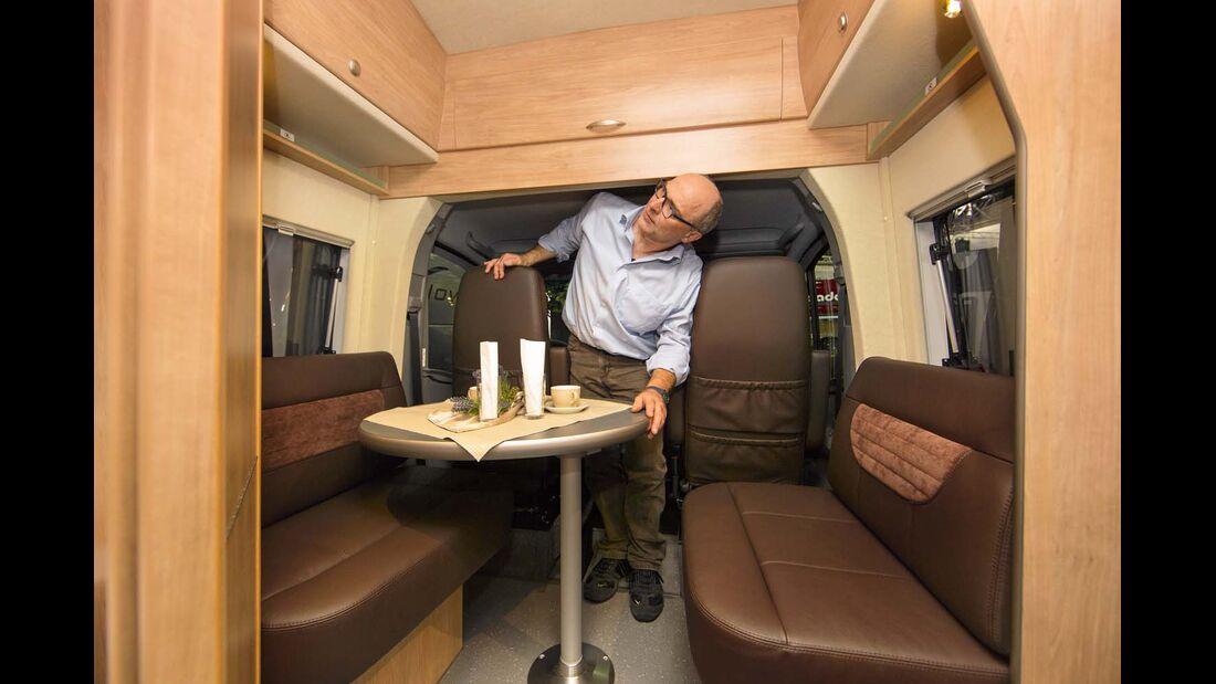 Reisemobil La Strada Nova L mit Monocoque-Kabine