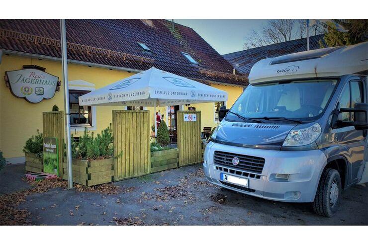Facebook-Gruppe: Wohnmobil-Dinner zu Coronazeit: Restaurant-Essen im eigenen Camper genießen