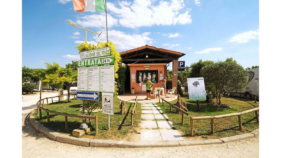 Rezeptionsgebäude des Stellplatzes Area Attrezzata C. I´Alveare die Prinzi