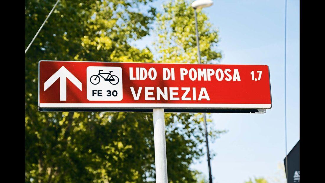 Rund um Comacchio gibt es ein weitverzweigtes und gut ausgeschildertes Fahrradwegenetz.