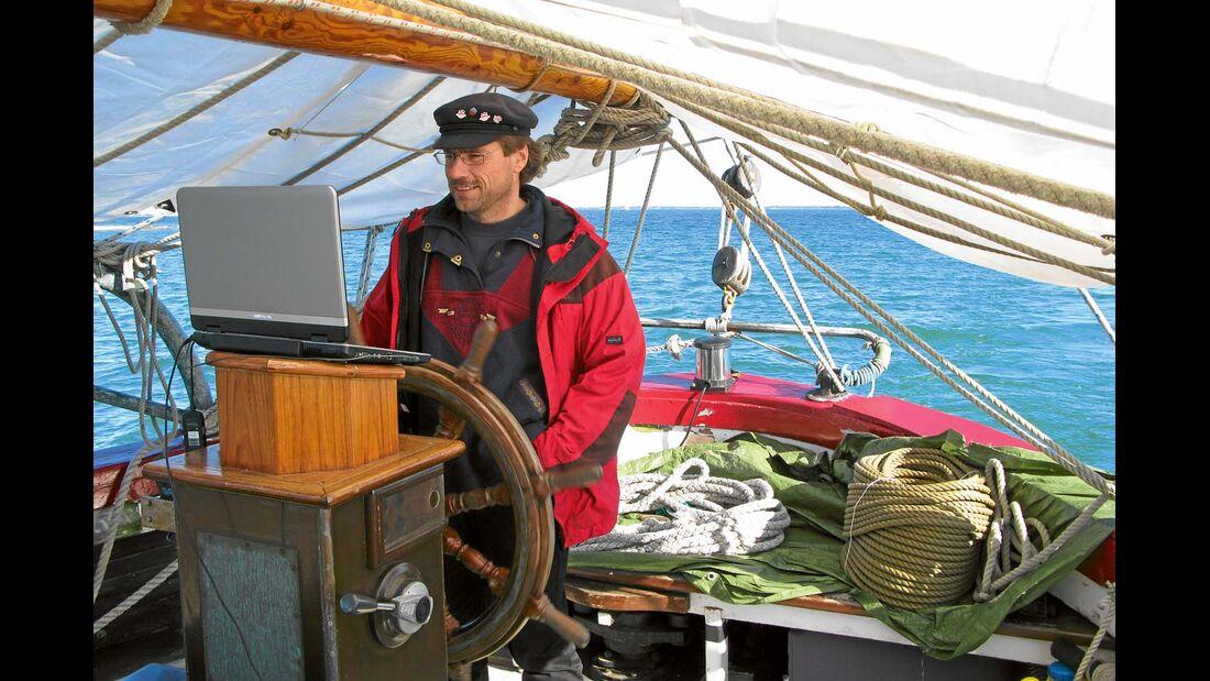 SY Marco Polo mit Liegeplatz in Heiligenhafen
