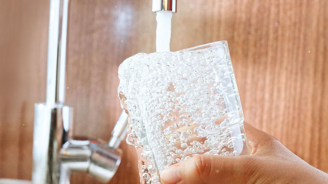 Sauberes und konserviertes Wasser ist unterwegs keine Selbstverstaendlichkeit.