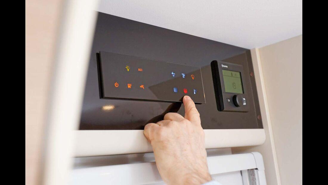 Schickes und informatives Touchscreen-Kontrollbord beim Adria Compact