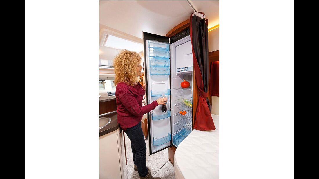 Schlanker, hoher 150-Liter-Kühlschrank von Dometic.