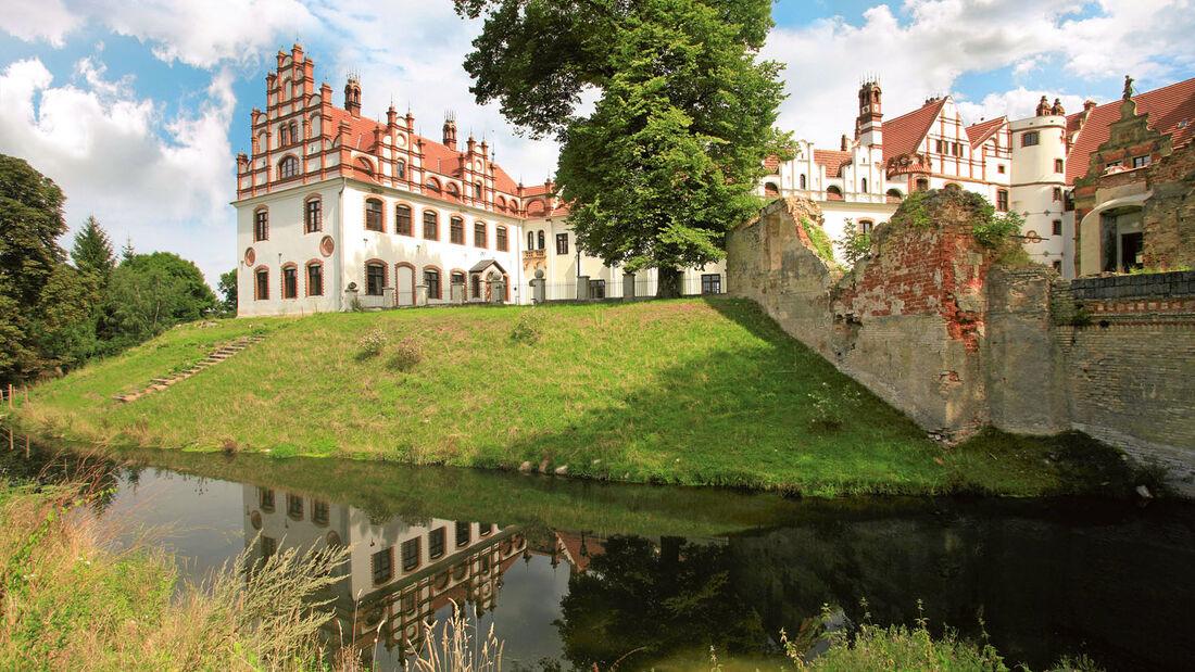 Schloss Basedow besitzt einen großen Landschaftspark.