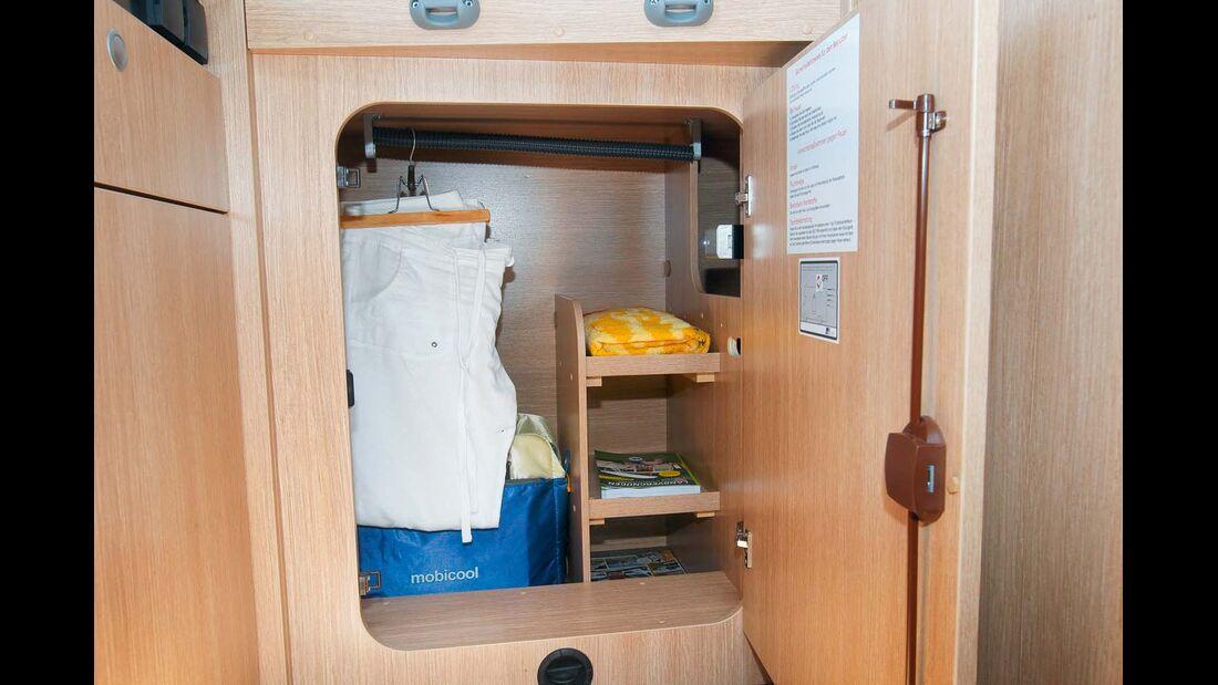 Schrank unter dem Bett mit Fächern für Wäsche im Sunlight T 60