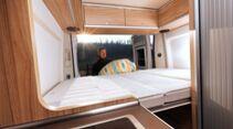 Schrumpft die Außenlänge, wird natürlich auch das Bett im Heck kleiner.