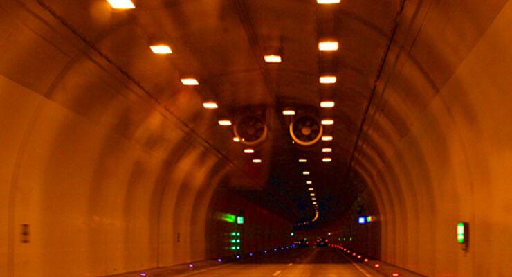 Schweiz, gotthard, tunnel, Reisemobil, wohnmobil, caravan, wohnwagen