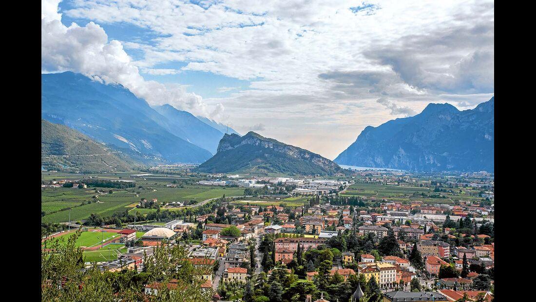 Sechs Kilometer nördlich von Riva im Sarca-Tal gelegen.