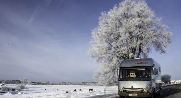Seit bald zehn Jahren versammeln sich Reisemobilurlauber auf Einladung von Carthago zu einem Wintertreffen in den Alpen.