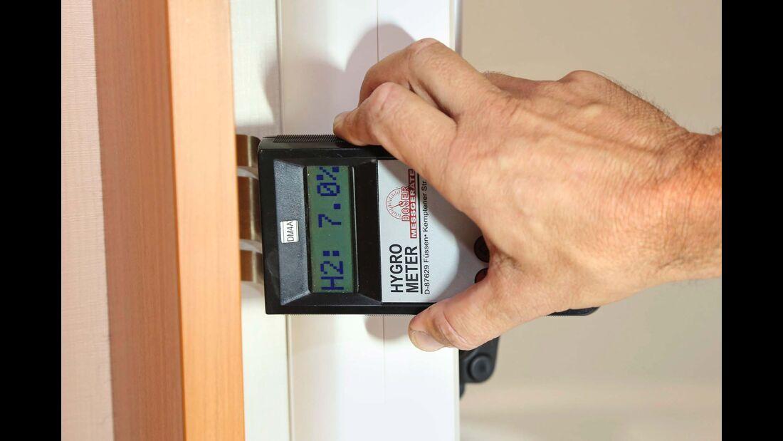 Sieben Prozent Feuchtigkeit zeigt das Hygrometer an – bis 20 Prozent ist alles in Ordnung.
