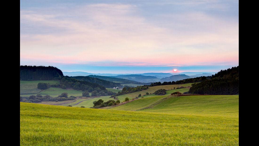 Sonnenuntergang bei Hillesheim