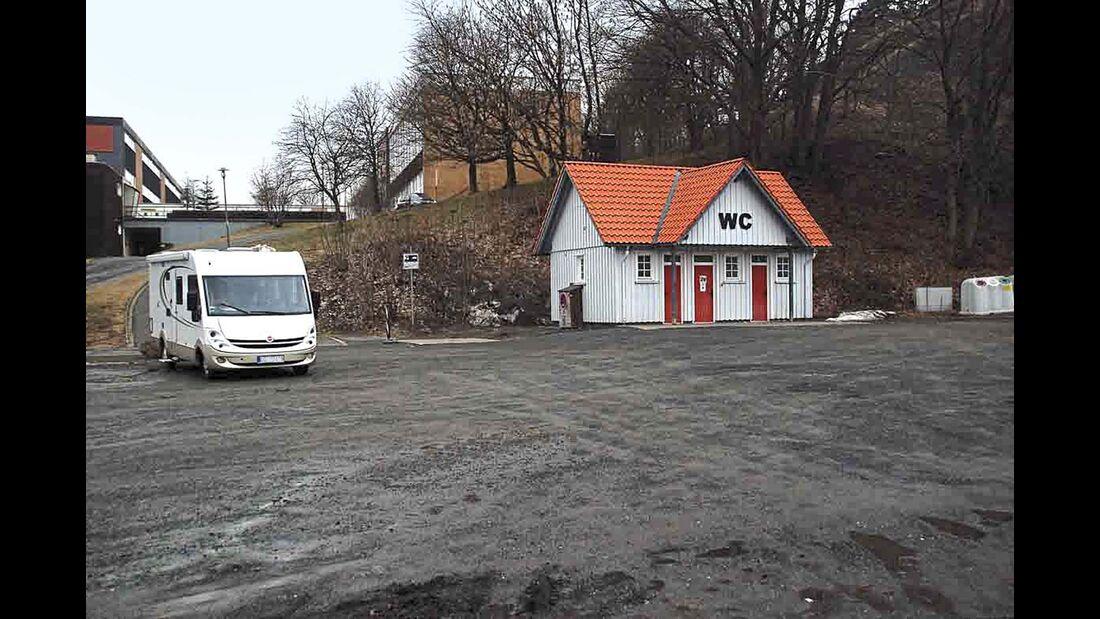 St. Andreasberg: Die V+E liegt separat vor dem Sportplatz.