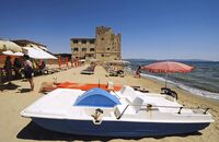 Standabschnitt mit Tretboot am Torre Mozza