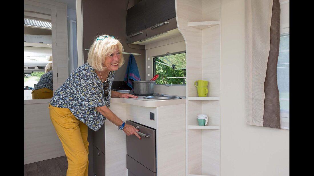 Stauraum knapp in der Küche beim Chausson Welcome 620