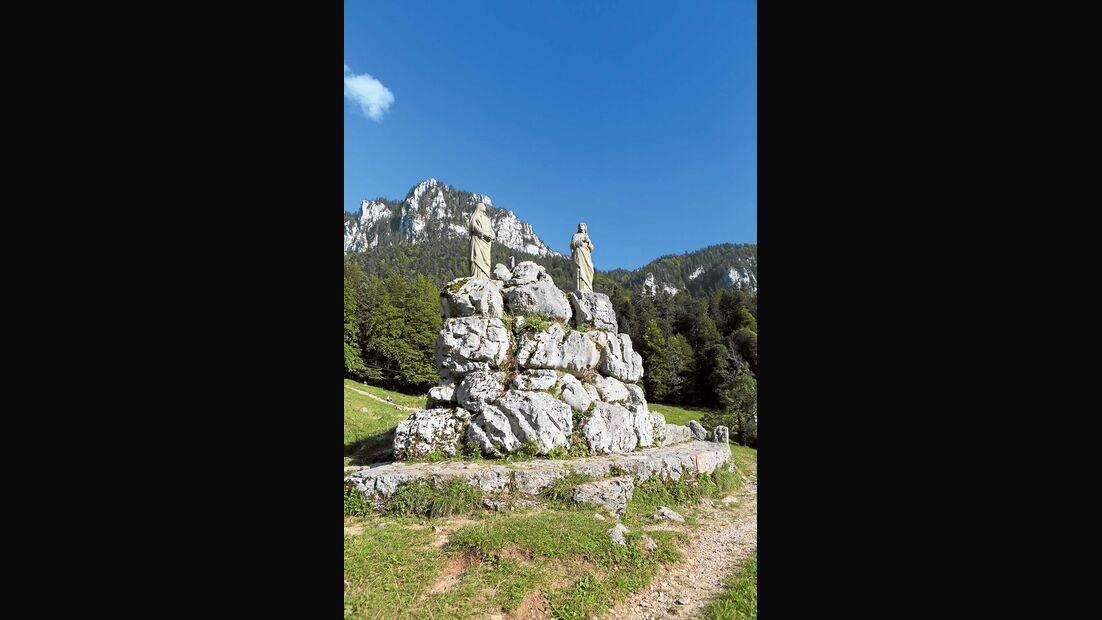 Steinfiguren im Parc naturel régional de Chartreuse.