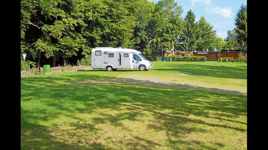 Stellplätze am Campingplatz und Feriendorf in Gillenfeld