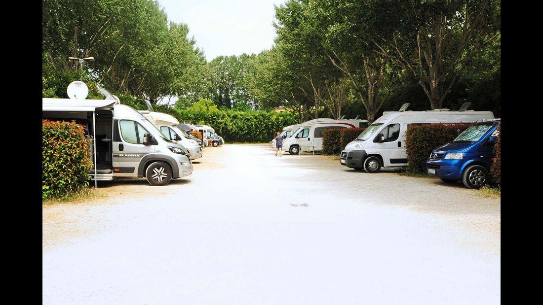 Stellplatz Area Attrezzata Camper Il Serchio