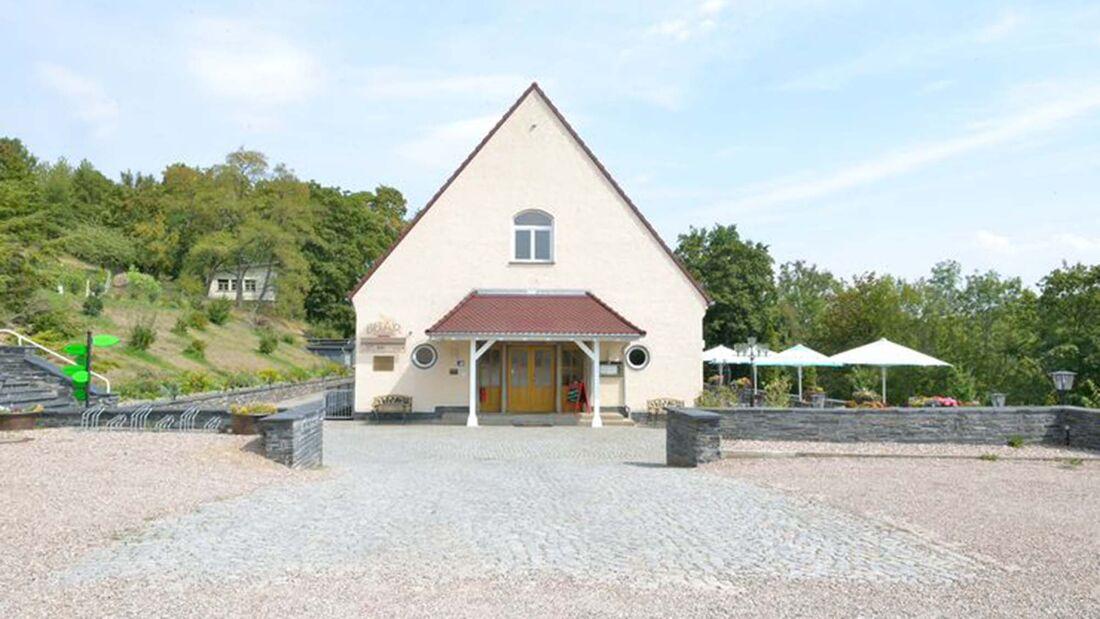 Stellplatz am Hotel Alte Fliegerschule