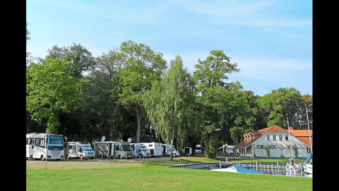 Stellplatz am Seglerhafen in Röbel
