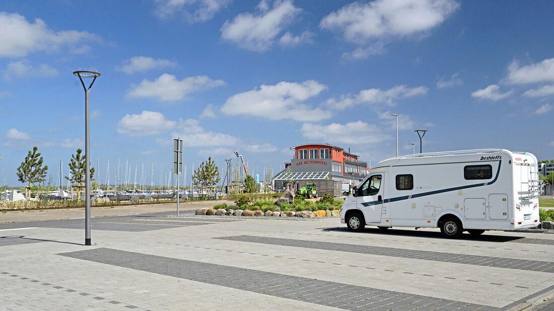 Stellplatz am Yachthafen Burgtiefe