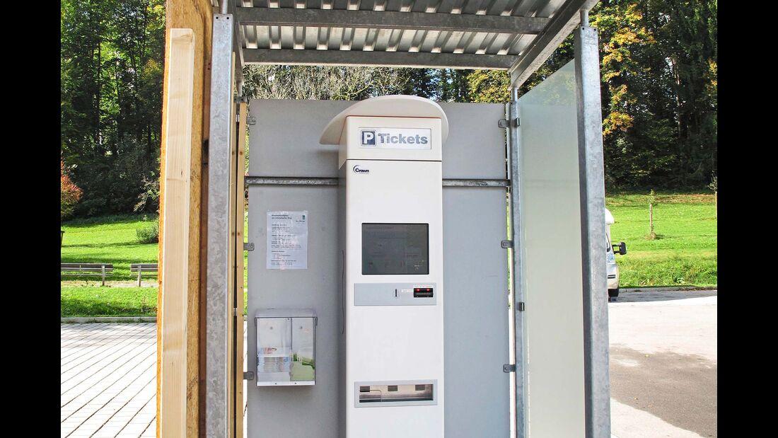 Stellplatz an der Waldsee-Therme Geührenautomat
