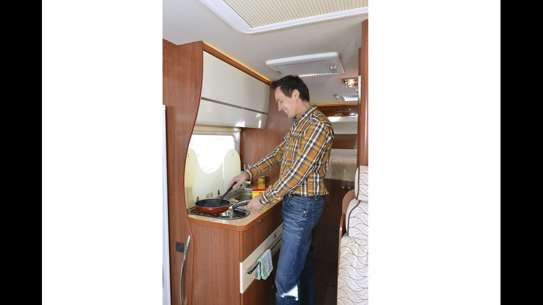Supercheck: Eura Mobil Integra Line 690 HB