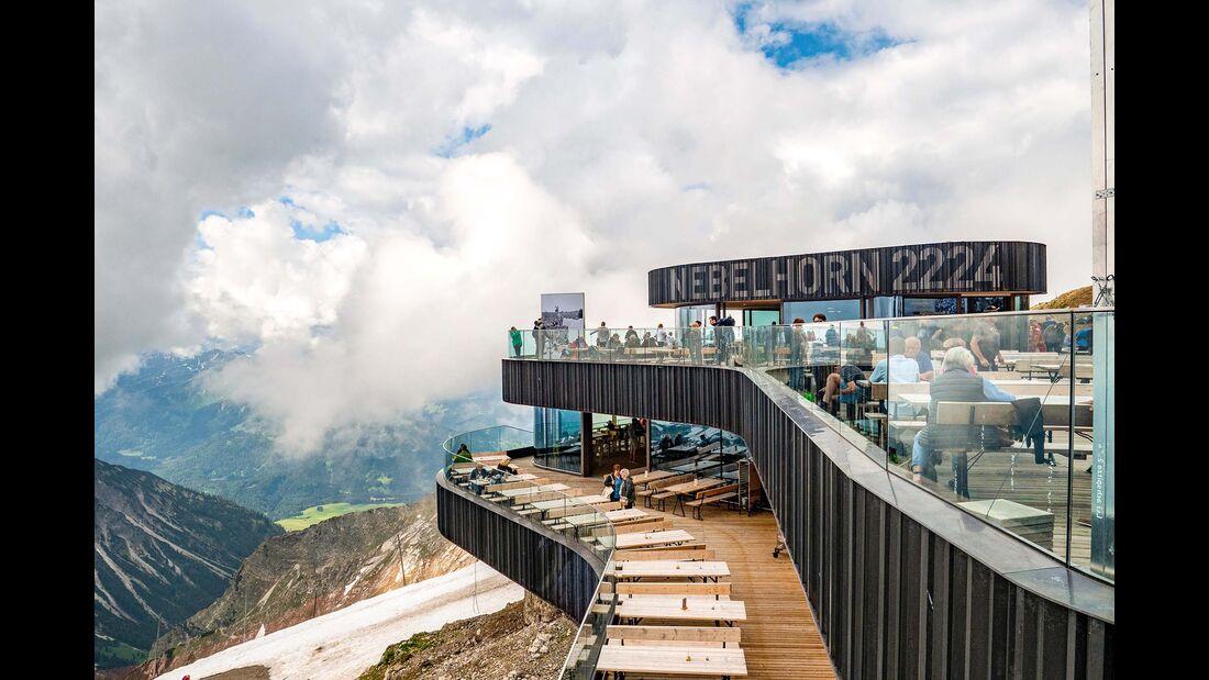 Terasse der Bergstation des Nebelhorns